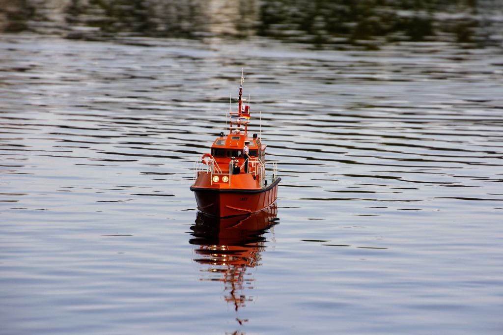 Lifeboat by InstagramFOTOGRAFIN from Pixabay